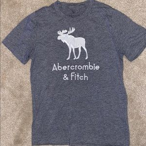 Grey abercrombie t-shirt